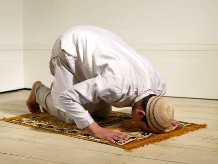 شهید مرتضی مطهری وای بر نماز ما+کلیپ